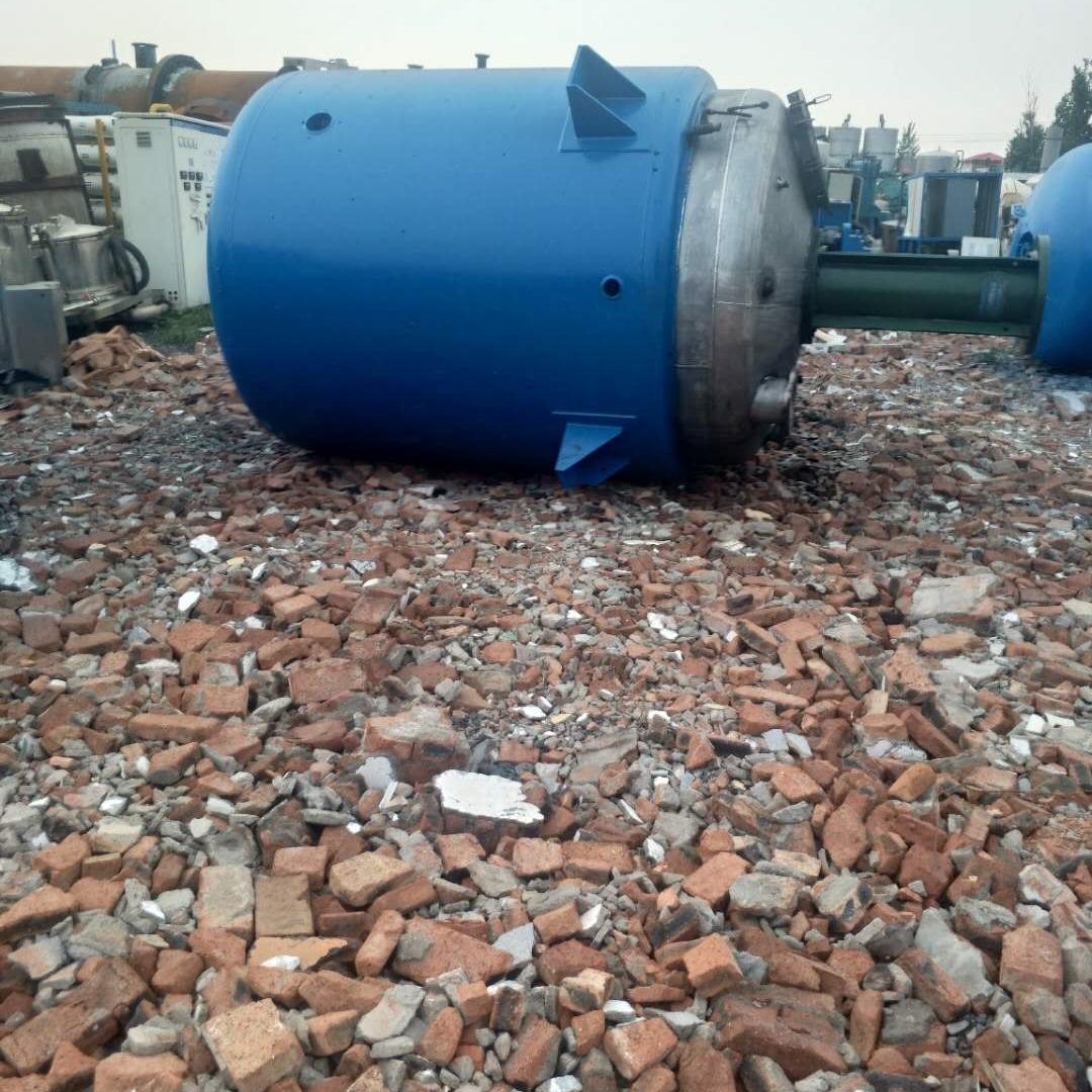 工厂回收5吨二手搪瓷反应釜价格